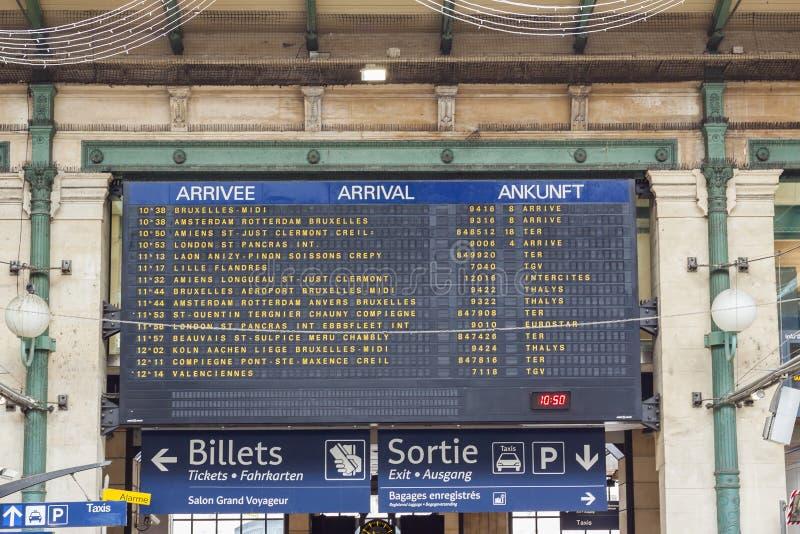Πίνακας άφιξης - Gare du Nord, Παρίσι στοκ φωτογραφίες με δικαίωμα ελεύθερης χρήσης