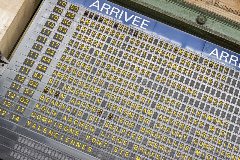 Πίνακας άφιξης - Gare du Nord, Παρίσι στοκ φωτογραφία με δικαίωμα ελεύθερης χρήσης