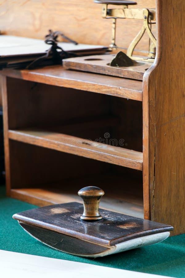 Πίνακας λεπτομέρειας στο γραφείο στοκ φωτογραφία με δικαίωμα ελεύθερης χρήσης
