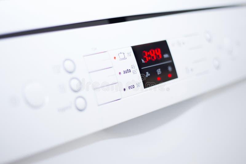 Πίνακας ελέγχου πλυντηρίων πιάτων στοκ εικόνες με δικαίωμα ελεύθερης χρήσης