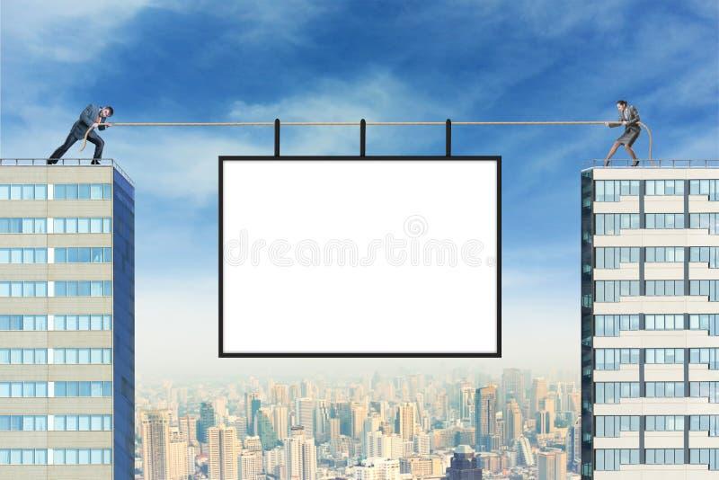 Πίνακας διαφημίσεων πέρα από την πόλη στοκ φωτογραφία με δικαίωμα ελεύθερης χρήσης