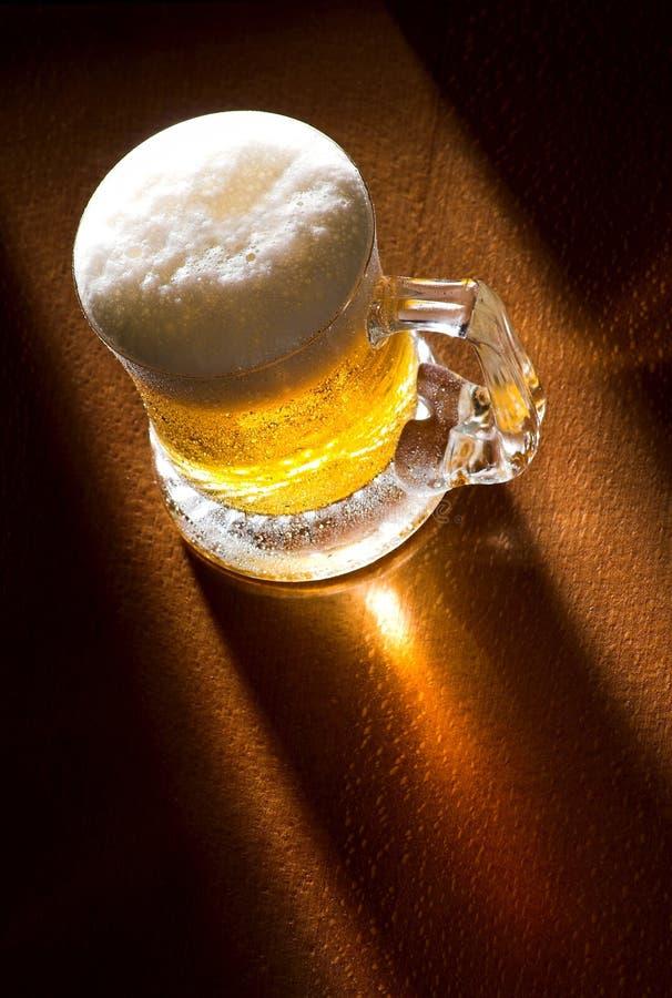 πίνακας κουπών μπύρας ξύλιν&om στοκ φωτογραφία με δικαίωμα ελεύθερης χρήσης