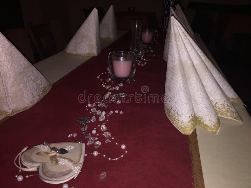 πίνακας πιάτων πετσετών διακοσμήσεων στοκ εικόνα