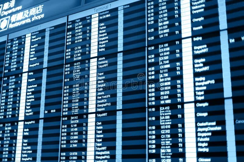 Πίνακας πληροφοριών πτήσης στον αερολιμένα. στοκ φωτογραφία με δικαίωμα ελεύθερης χρήσης