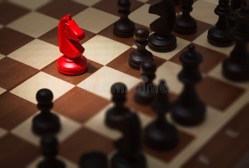 Πίνακας σκακιού με τα κομμάτια σκακιού στοκ φωτογραφία με δικαίωμα ελεύθερης χρήσης