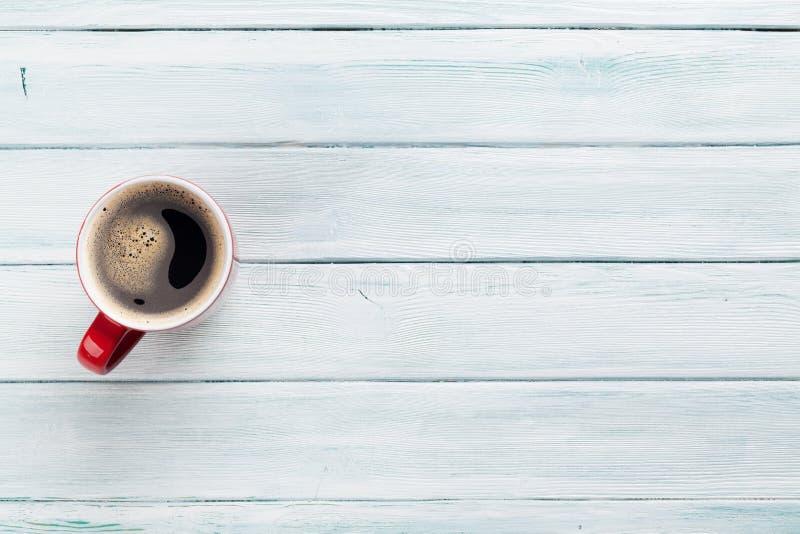 πίνακας φλυτζανιών καφέ ξύλ& στοκ εικόνα