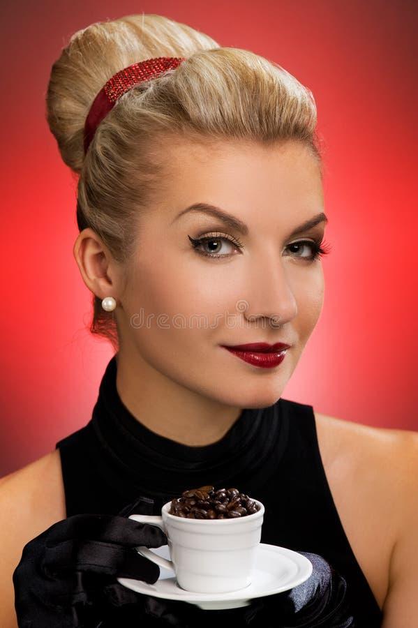 πίνοντας κυρία καφέ στοκ φωτογραφία