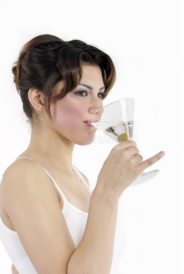 πίνοντας προκλητική γυναί& στοκ φωτογραφία