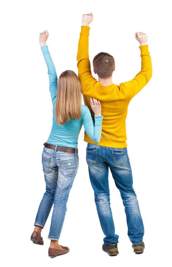 Πίσω άποψη του χορεύοντας νέου ζεύγους στοκ εικόνα με δικαίωμα ελεύθερης χρήσης