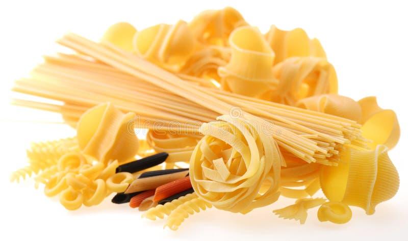 πίσω αναμμένο macaroni προβαλλόμ&epsilon στοκ εικόνες