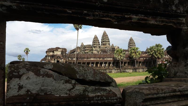 Πίσω από το Stone του ναού Angkorwat στοκ φωτογραφία με δικαίωμα ελεύθερης χρήσης