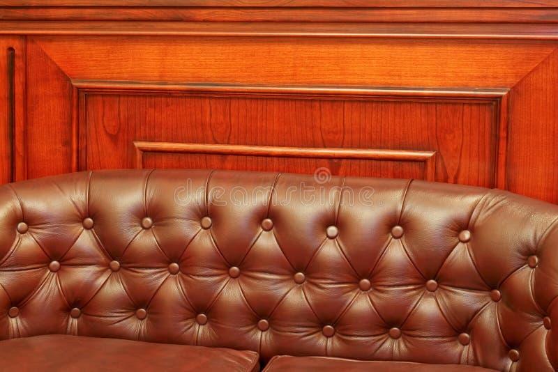 πίσω καναπές δέρματος στοκ φωτογραφία με δικαίωμα ελεύθερης χρήσης
