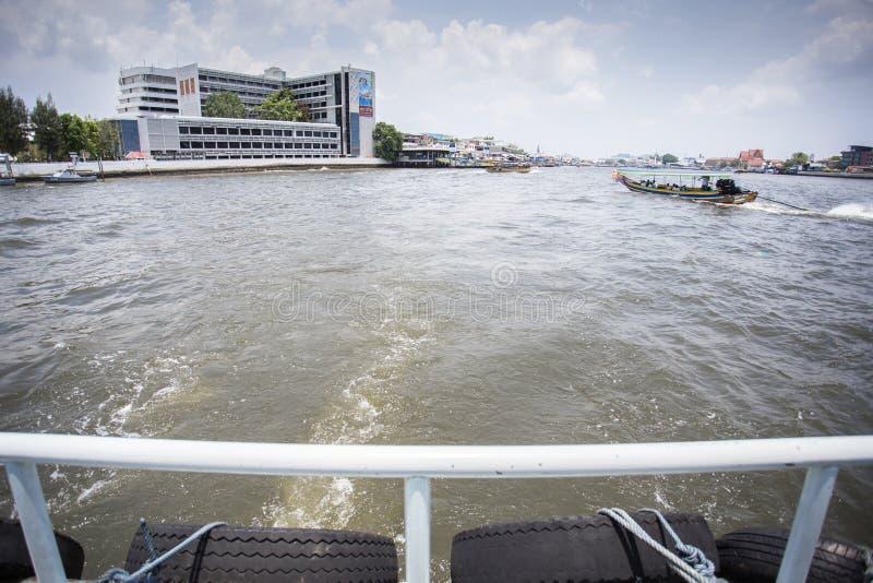 Πίσω πορθμείο στον ποταμό στοκ φωτογραφίες με δικαίωμα ελεύθερης χρήσης