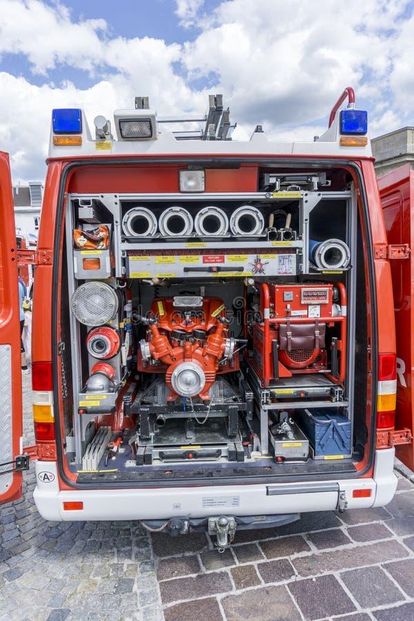 Πίσω του πυροσβεστικού οχήματος σε μια πυροσβεστική επίδειξη στοκ φωτογραφίες