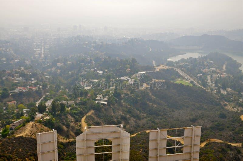 Πίσω του σημαδιού Hollywood στοκ εικόνες με δικαίωμα ελεύθερης χρήσης