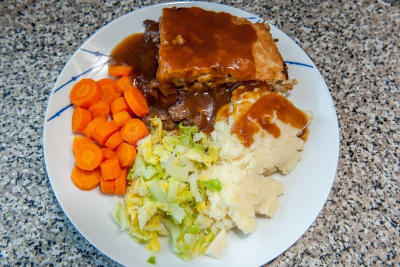 Πίτα κρέατος και veg στοκ φωτογραφίες
