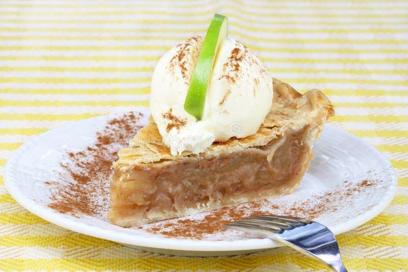 πίτα πάγου κρέμας μήλων στοκ φωτογραφία με δικαίωμα ελεύθερης χρήσης