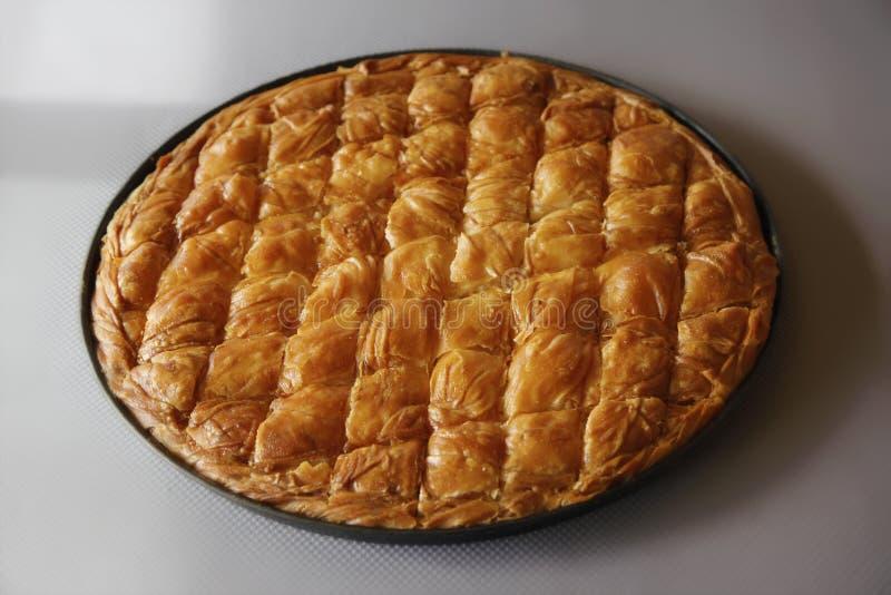 Πίτα τυριών στο τηγάνι στοκ εικόνες με δικαίωμα ελεύθερης χρήσης