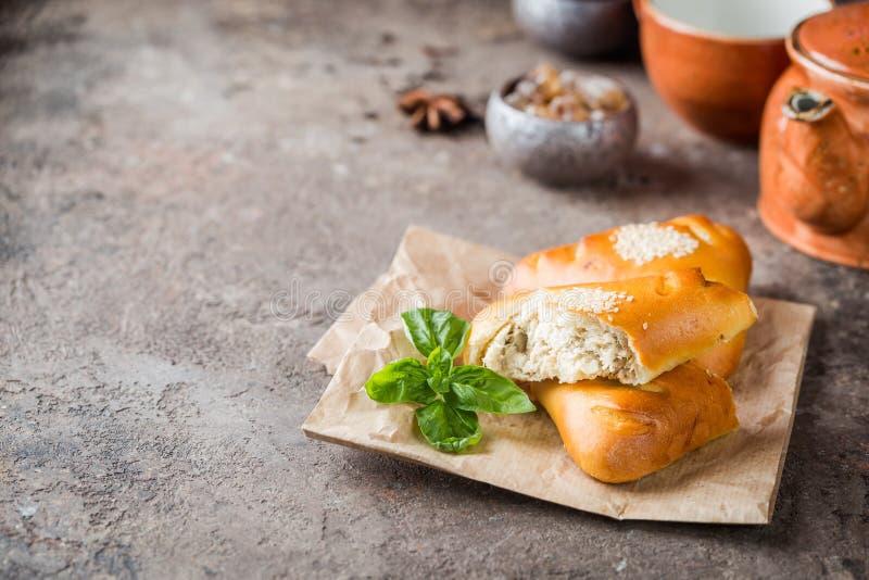 Πίτες κοτόπουλου και μανιταριών στοκ εικόνες με δικαίωμα ελεύθερης χρήσης