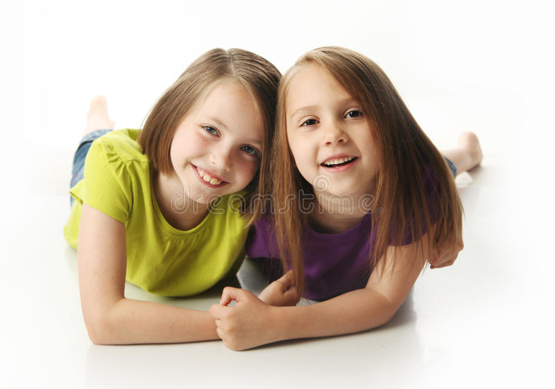 παίζοντας αδελφές στοκ φωτογραφίες