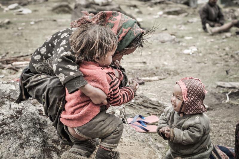 Παίζοντας παιδιά στο Νεπάλ στοκ εικόνα