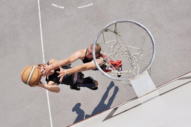 παίχτης μπάσκετ δύο στοκ εικόνες