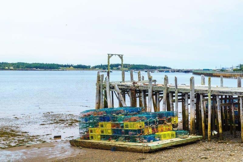 Παγίδες αστακών Dipper στο λιμάνι, Νιού Μπρούνγουικ στοκ φωτογραφίες