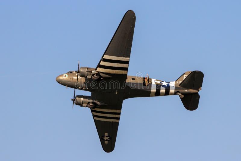 Παγκόσμιος πόλεμος 2 ρεύμα-3 Ντακότα skytrain κατά την πτήση στοκ εικόνες με δικαίωμα ελεύθερης χρήσης