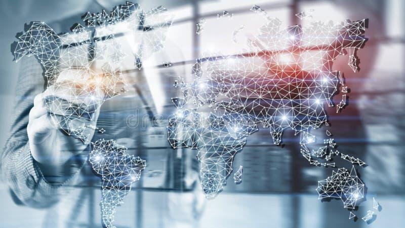 Παγκόσμιο δίκτυο έκθεσης παγκόσμιων χαρτών διπλό Τηλεπικοινωνίες, διεθνής επιχείρηση Διαδίκτυο και έννοια τεχνολογίας στοκ φωτογραφία με δικαίωμα ελεύθερης χρήσης