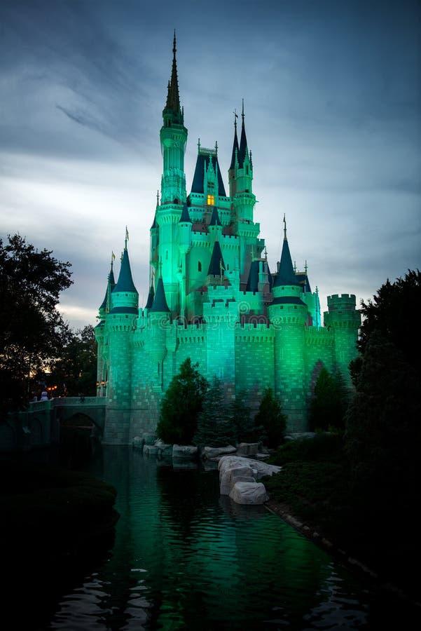 Παγκόσμιο μαγικό βασίλειο Castle της Disney στοκ εικόνες με δικαίωμα ελεύθερης χρήσης