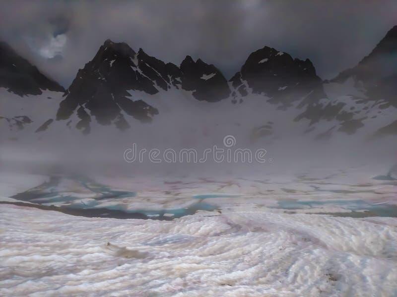 Παγωμένη λίμνη Tobavarchkhili στοκ εικόνες με δικαίωμα ελεύθερης χρήσης
