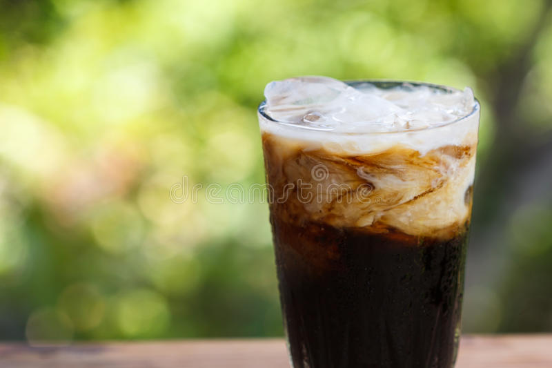 Παγωμένος καφές με το γάλα στοκ εικόνες