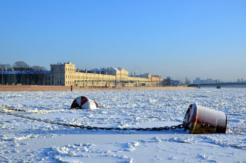 Παγωμένος ποταμός Neva στοκ φωτογραφία με δικαίωμα ελεύθερης χρήσης
