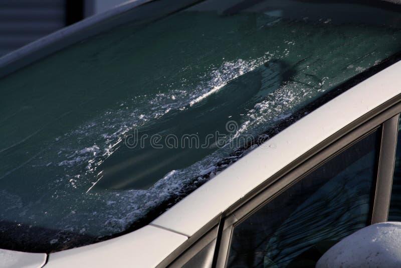 παγωμένο αυτοκίνητο παράθ στοκ φωτογραφίες με δικαίωμα ελεύθερης χρήσης