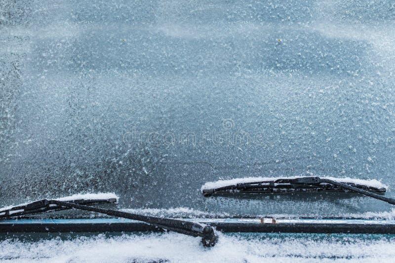 Παγωμένο μπροστινό παράθυρο του αυτοκινήτου στοκ εικόνα με δικαίωμα ελεύθερης χρήσης