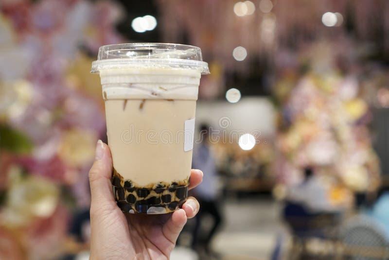Παγωμένο τσάι γάλακτος Oolong με το ποτό boba/φυσαλίδων στοκ φωτογραφίες με δικαίωμα ελεύθερης χρήσης
