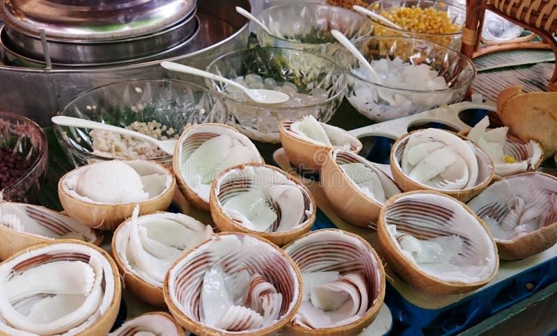 Παγωτό καρύδων στοκ φωτογραφίες