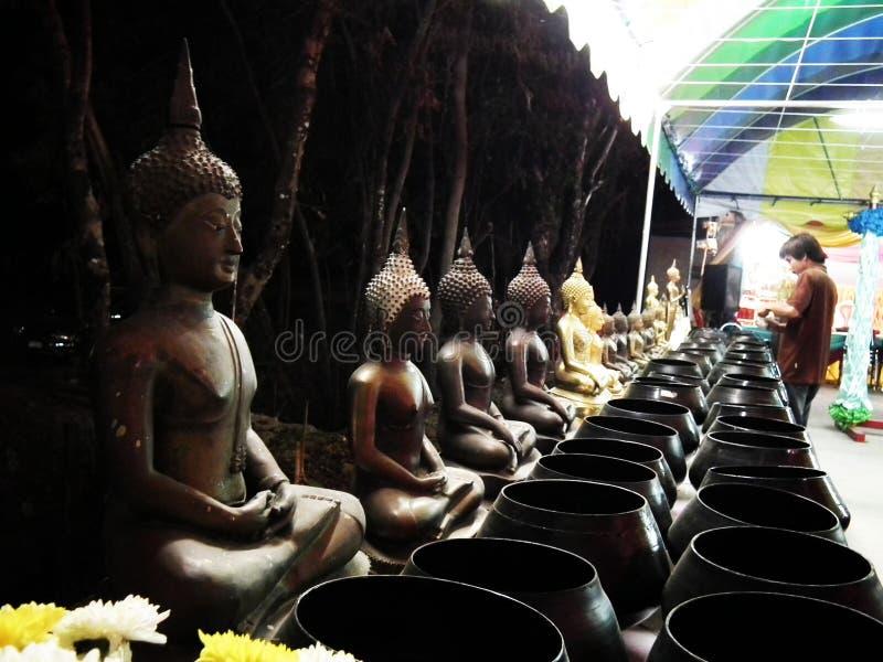 Παγόδα αγαλμάτων της Ταϊλάνδης Βούδας υπαίθρια στοκ φωτογραφία
