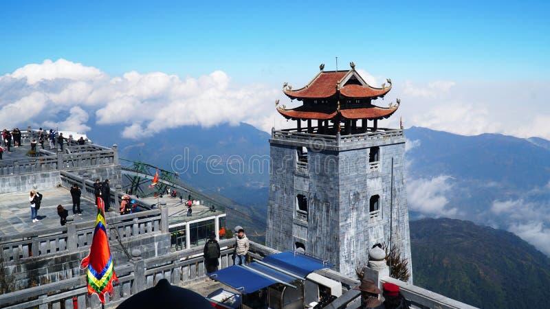 Παγόδα στο τελεφερίκ SAPA Βιετνάμ μύθου παγκόσμιου Fansipan ήλιων στοκ εικόνα με δικαίωμα ελεύθερης χρήσης