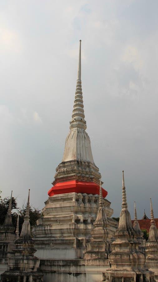 Παγόδες βουδισμού με το κόκκινο τοπικό ύφος υφασμάτων στοκ φωτογραφίες με δικαίωμα ελεύθερης χρήσης