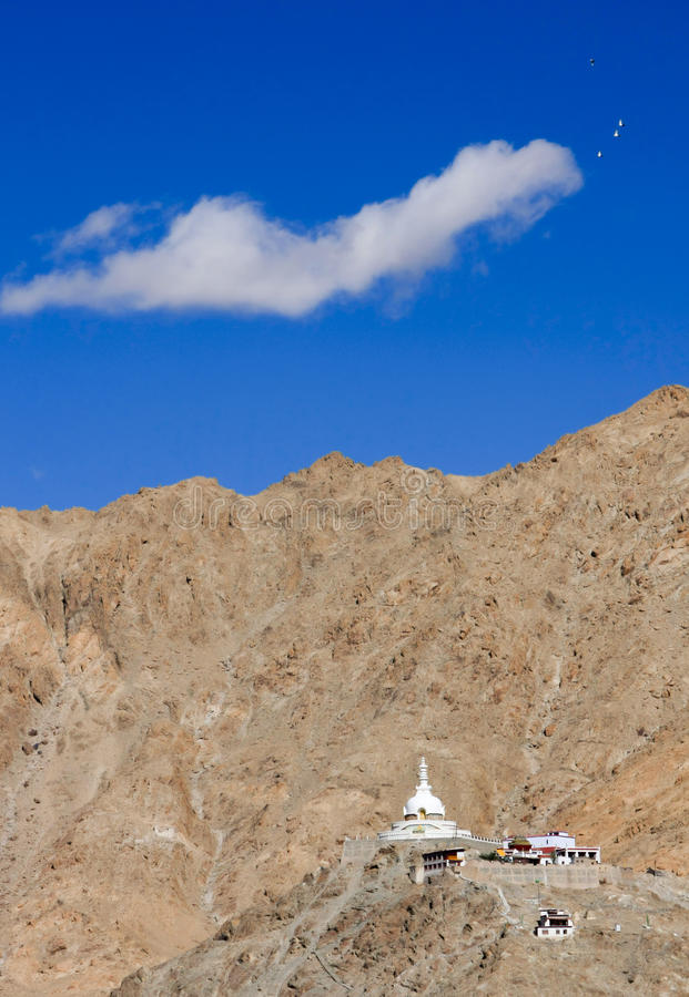 Παγόδα παγκόσμιας ειρήνης, πόλη Leh, Ladakh, Ινδία στοκ φωτογραφία με δικαίωμα ελεύθερης χρήσης