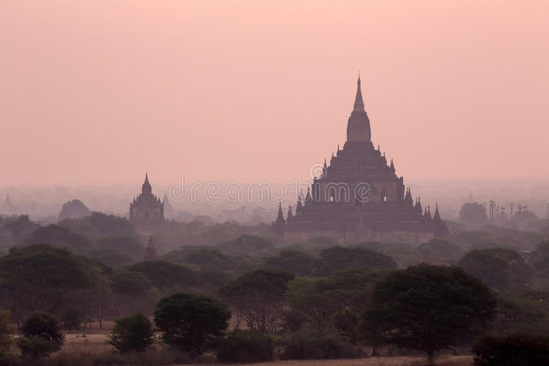 Παγόδα σε Bagan νωρίτερα αυτό το χρόνο στοκ εικόνα
