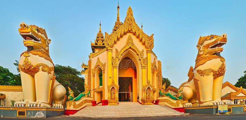 Παγόδα Shwedagon σε Yangon Myanmar πανόραμα στοκ φωτογραφία