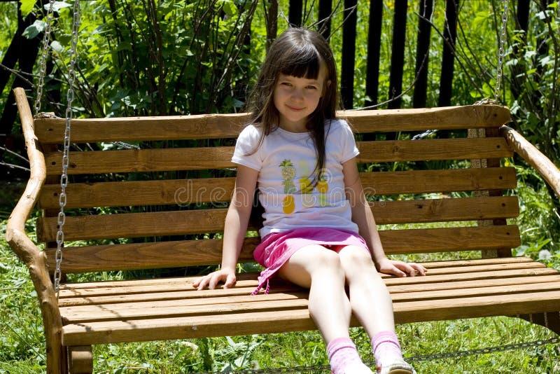 παιδί πάγκων όμορφο στοκ φωτογραφία με δικαίωμα ελεύθερης χρήσης