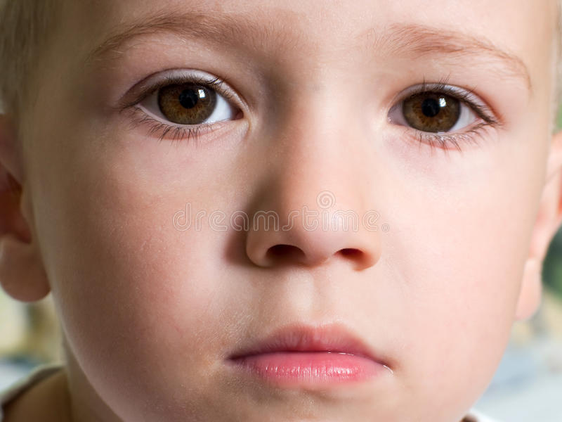 παιδί σοβαρό στοκ εικόνες με δικαίωμα ελεύθερης χρήσης