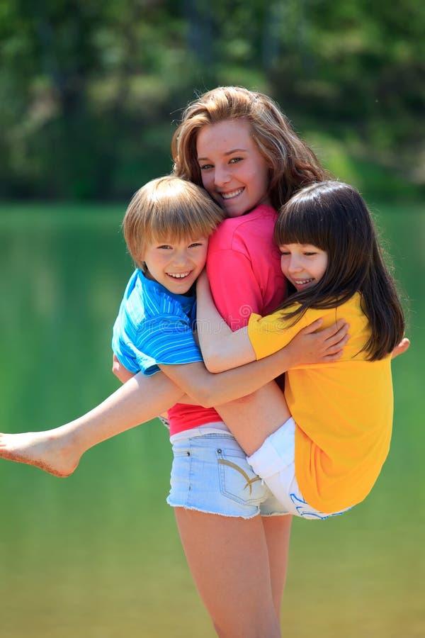 παιδιά ευτυχή στοκ εικόνες