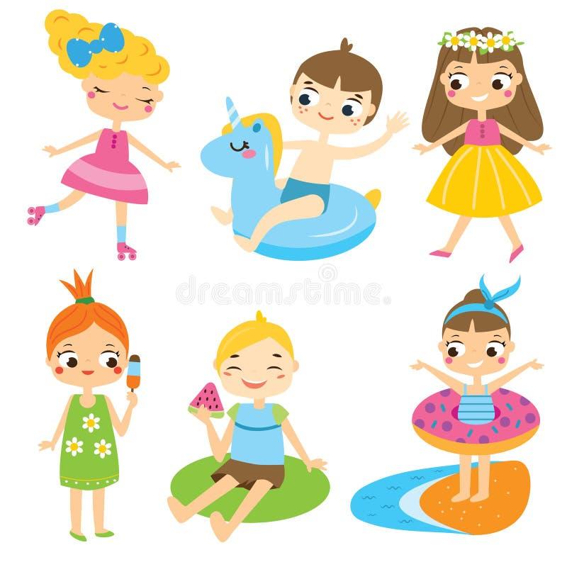 Παιδιά κινούμενων σχεδίων καθορισμένα Παιδιά που αναπτύσσουν τη διασκέδαση καλοκαιρινών διακοπών και την υπαίθρια δραστηριότητα ελεύθερη απεικόνιση δικαιώματος
