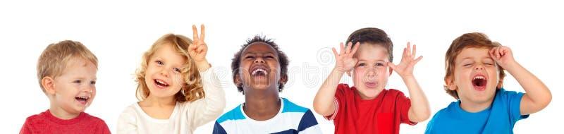 Παιδιά που κάνουν το αστείο και το γέλιο στοκ εικόνες