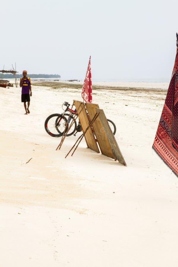 Παιδιά που παίζουν στην παραλία Paje, Zanzibar στοκ εικόνες με δικαίωμα ελεύθερης χρήσης