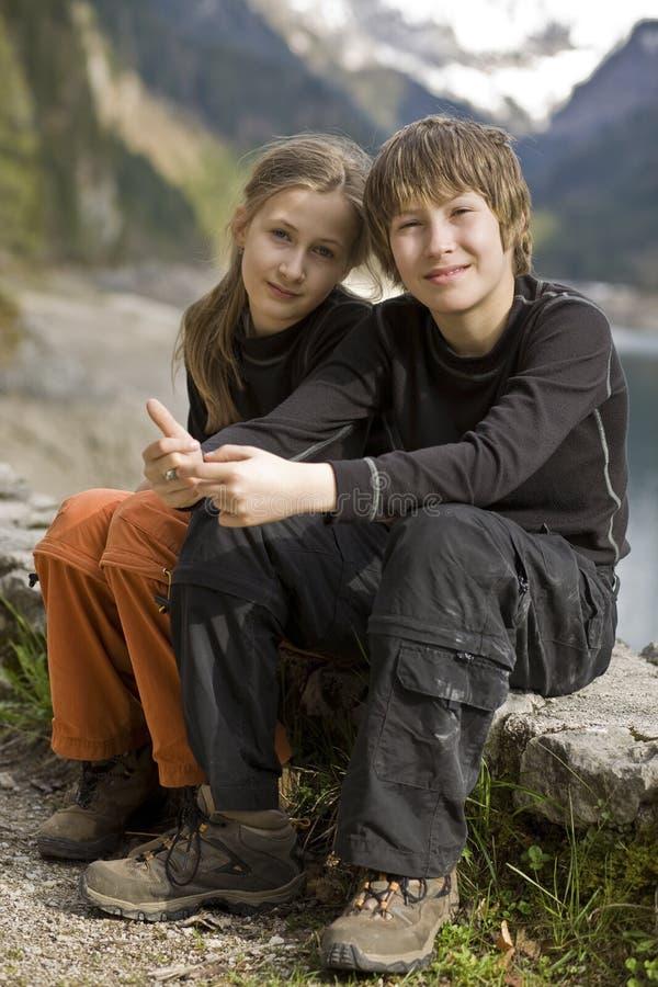 παιδιά που τα βουνά στοκ φωτογραφίες με δικαίωμα ελεύθερης χρήσης
